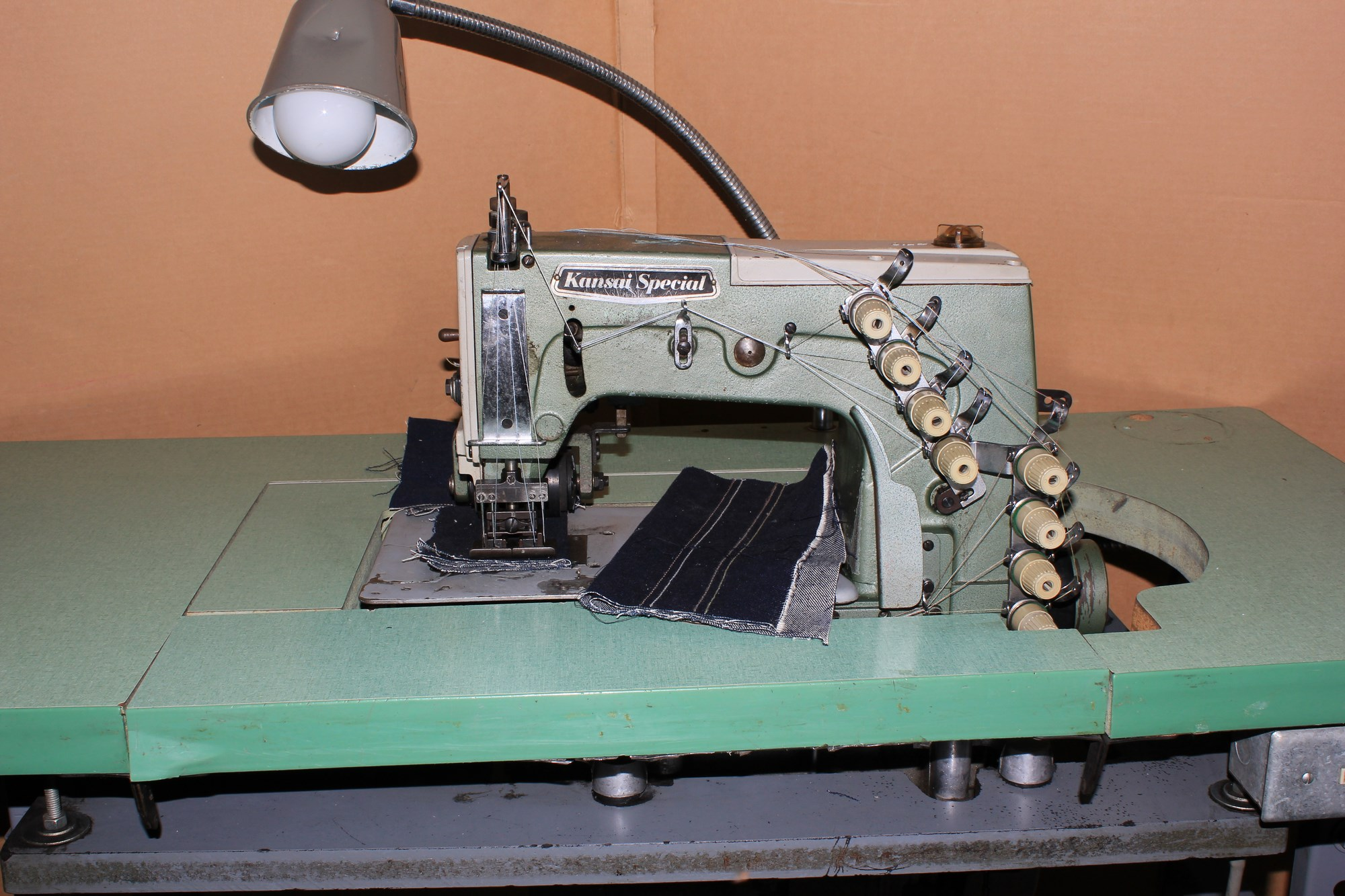 4 Needle Flatbed Double Chain Stitch Machine For