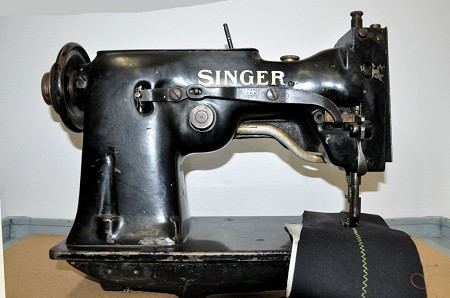 Singer Single Needle Sewing Machine - Head Only Tag # 3850